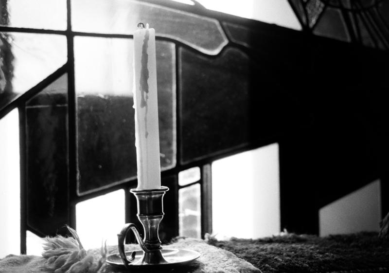 El que busca Luz debe encender una vela